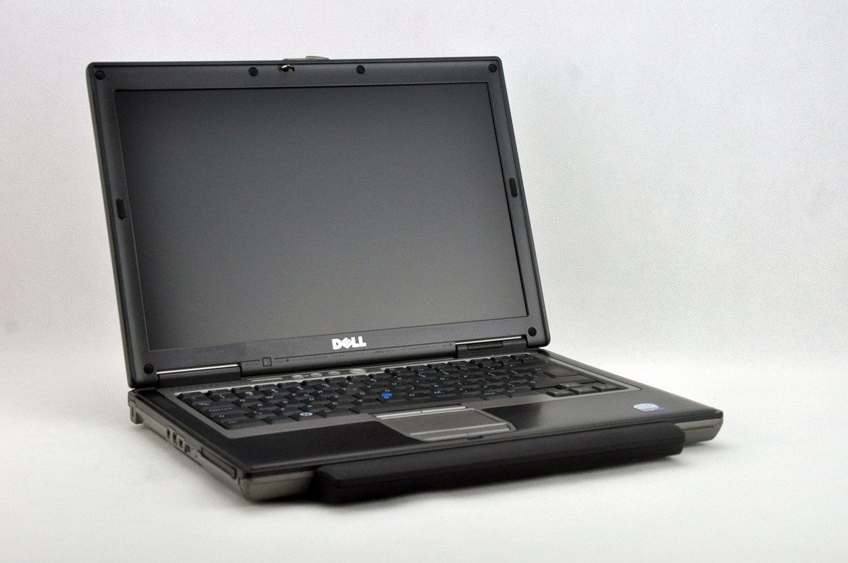 "Dell Latitude D630 T7300 2 GB 320 HDD 14"" WXGA W7Pro A- 03"