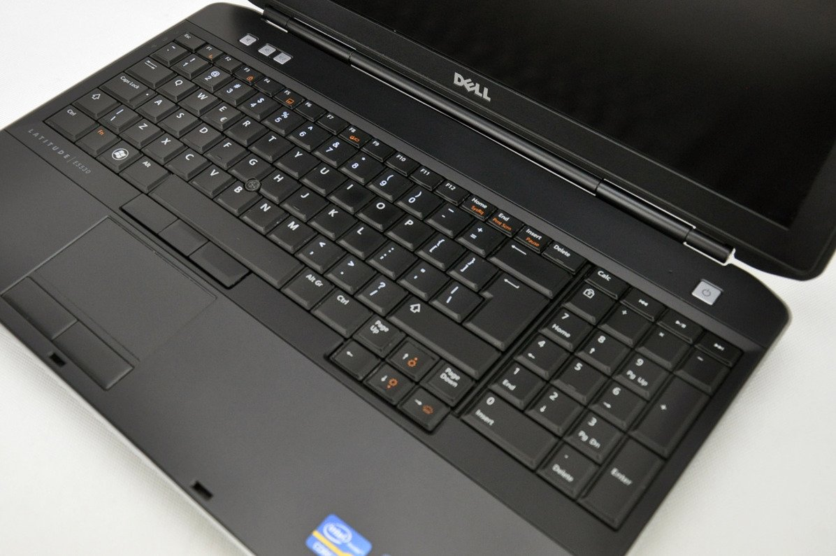 "Dell Latitude E5530 i3-3120M 4 GB 500 HDD 15,6"" HD W7Pro A- 10"
