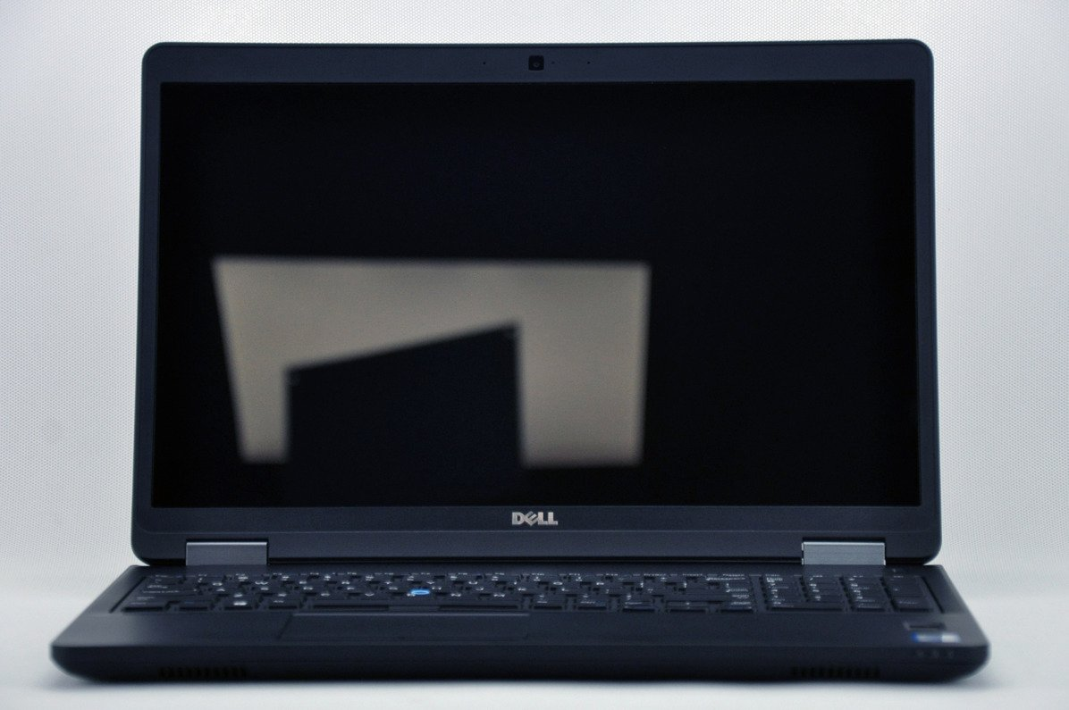 "Dell Latitude E5570 i7-6820HQ 16 GB 480 SSD 15,6"" FHD W8Pro A- 08"