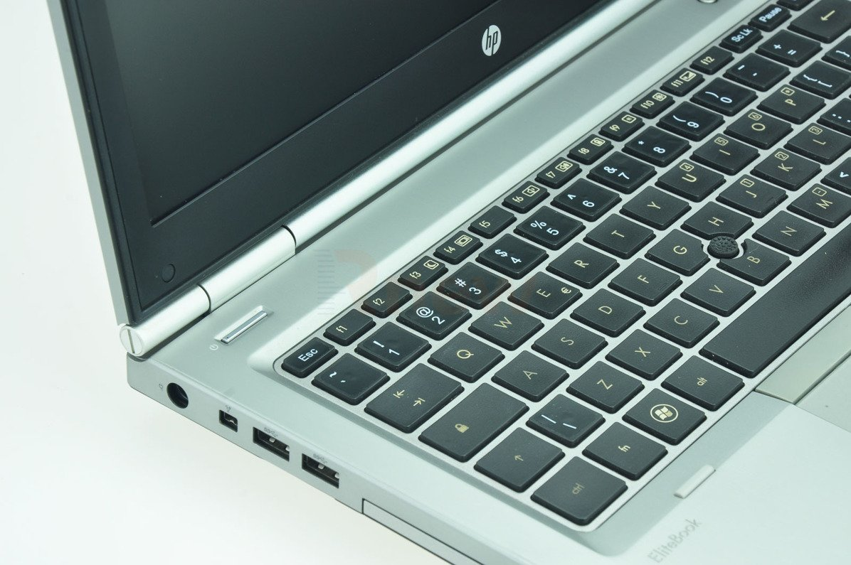 "HP EliteBook 8460p Intel Core i7-2620M 2.70 GHz 4 GB 128 GB SSD 14"" Win 7 Pro A- 13"